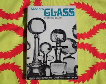 Modern Glass book by Geoffrey Beard 1968