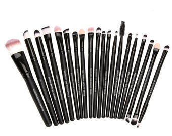 20 Pcs Powder, Blush, Foundation, Eyeshadow, Eyeliner & Lip Cosmetic Makeup Brush Set
