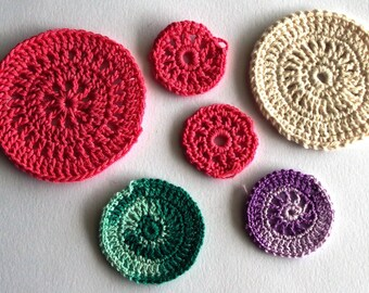 Set of 6 circles crocheted thin cotton yarn 3.5 cm to 7 cm