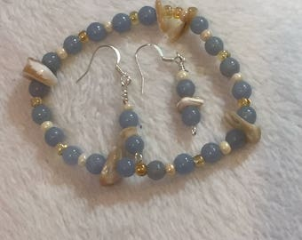 Aquamarine, mother of pearl and amber glass beads bracelet, earring of aquamarine and mother of pearl