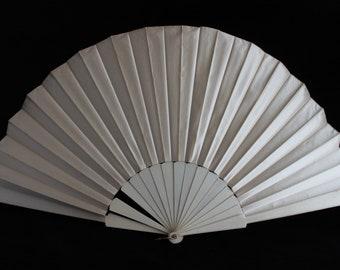 Victorian cream satin fan, 19th century fabric fan, wedding satin fan, costume fan, plain satin fan, collectors fabric fan, antique fan
