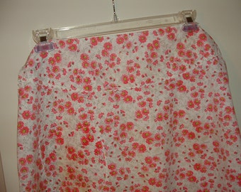 Antique Pink Flower Apron with White Rick Rack Trim and pocket