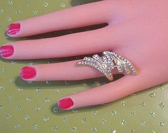 Vintage Gold and Rhinestone Ring -- Size 8.5 - R-388 - Vintage Gold Ring - Vintage Rhinestone Ring - Gorgeous Ring in Excellent Condition