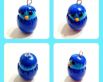 Easter: Charm blue chick in his shell in fimo