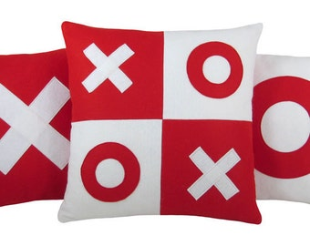 XOXO Red and White Valentine Wool Felt Decorative Pillows (Set of 3) XOXO Pillow