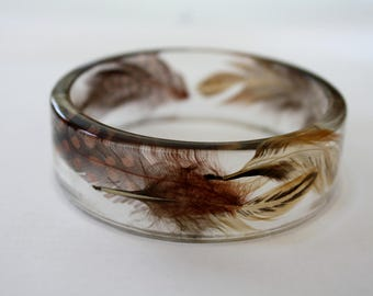 Feather bracelet, resin and feathers bracelet, resin bracelet, nature bracelet, feather bangle, feather bracelet, made in Canada