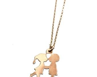 Kissing Couple Necklace/Kissing Couple pendant necklace/Couple Necklace/minimalist/layering necklace