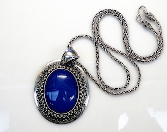 Sterling Silver Stuarti Oval Blue Chalcedony Eched design Pendant