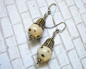 Silver and White Spotted Flower Bud Earrings (2606)
