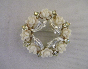 Vintage White Roses Rhinestones Silvertone Circle Pin Brooch