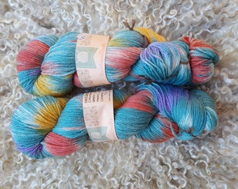 Hand dyed yarn - Winter berries - 4 ply