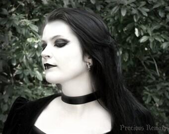 "Simple Black Satin Choker 7/8"" Black Ribbon Choker / Ribbon Necklace / Goth Gothic Lolita Pinup Burlesque Cosplay"