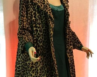 1960's Vintage faux leopard car coat 3/4 sleeves