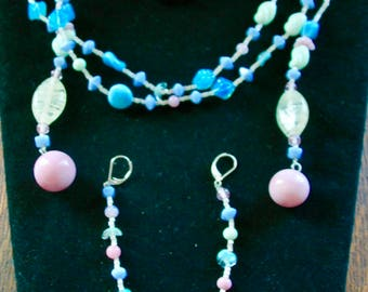 """Vintage Pastel Glass Bead Lariat Necklace and Matching Earrings - Demi Parure - """"Summer Breeze"""""""