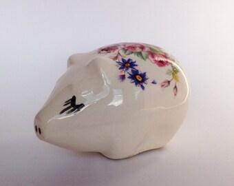Vintage Ceramic Pomander - Retro Pottery Pig Pomander - Pig Figurine - Kitsch Pig Collectible - Piggy Pomander - Retro Bedroom Decor
