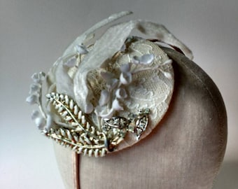 Hair band fascinator with ivory lace, white flowers, vintage leaves & diamante jewellery ~ Wedding ~ Classic Bridal ~ 1950's ~ Woodland
