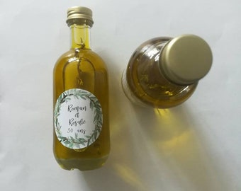 With organic olive oil bottles for a souvenir of your wedding.