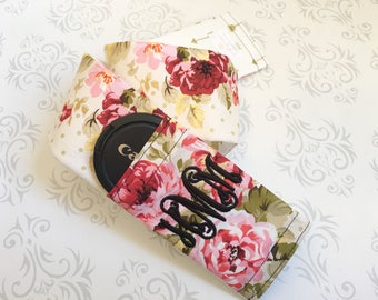 Embroidered Reversible Camera Strap Cover with Lens Cap Pocket, Monogrammed, Photographer Gift - Vintage Floral and Gold Arrows