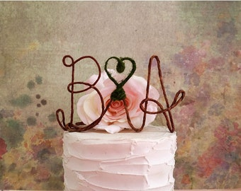 INITIALS Wedding Cake Topper with Moss HEART Accent, Monogram Wedding Cake Decoration,Rustic Wedding Centerpiece,Engagement Party Decoration