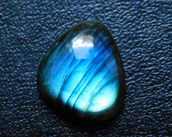 Natural Labradorite Cabochon Loose Gemstone 20x21 mm Approx 24.00 Cts Fancy Shape Blue Power Flash On Wholesale Price.