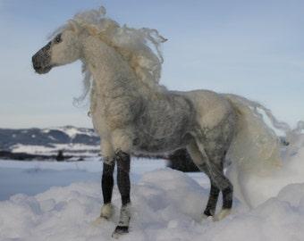 Needle felted horse,Fiber art,Horse portrait,needle felted animal,horse Lover gift