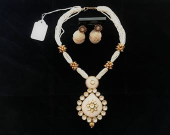 Indian Jewelry Set- Kundan Necklace and Earrings - Beaded White Necklace with Kundan Pendant and Glass Pearl Earrings / Rajasthani Jewelry