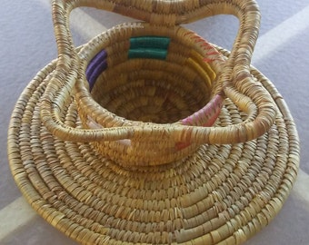 Vintage Hand Made African/Mexican/Tribal Coil Woven Bowl/Basket with Mat,