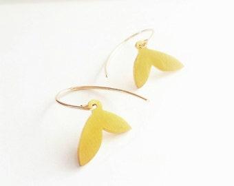 Gold Drop Earrings. Delicate Gold Petal Drop Earrings. Gold Bridal Drop Earrings. Simple gold drop Earrings.