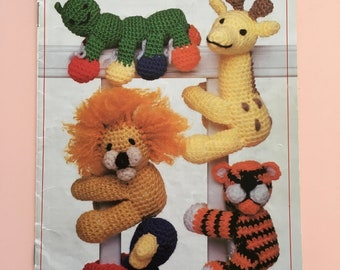 1988 Vintage Annie's Attic Animal Clip-Ons crochet pattern book by Michele Wilcox - knitting - yarn