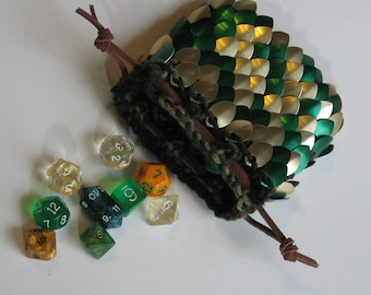 Scalemaille Dice Bag Golden Forest in knitted Dragonhide Armor