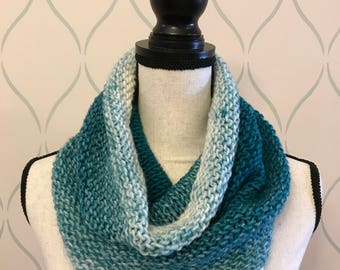 Blue ombré knit cowl / Free US Shipping