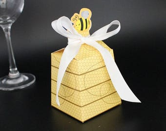 bee candy box  - Candy Box - Treat Boxes - Birthday Boxes -Party Boxes -Birthday Party -Gift Box -Favor Boxes -Wedding Favor