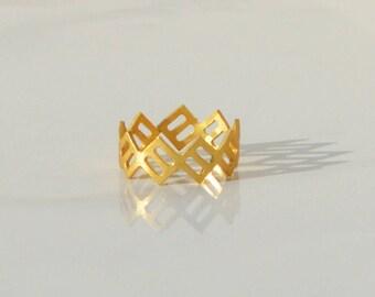 Geometric Minimalist Ring