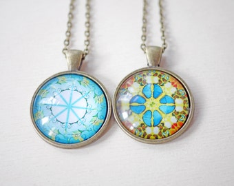 Modern patterned cabochon necklace