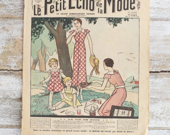 Le Petit Echo de la Mode - Vintage French fashion magazine from 1926 and 1933 - Beautiful retro fashion illustration - Vintage adverstising