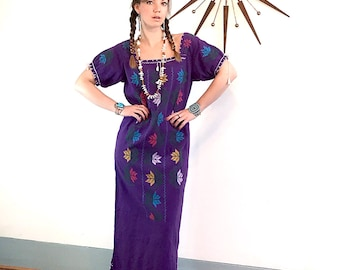Vintage 70s caftan, Purple Gypsy dress, long Embroidered kaftan, Guatemalan Dress, long Hippie dress, Ethnic Peasant dress, 1970s boho maxi