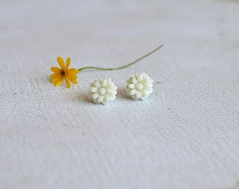 White Flower Earring Studs- Titanium Chrysanthemum Earrings- White Flower Studs- Hypoallergenic Earrings- Titanium Earring Posts- Girl Gift