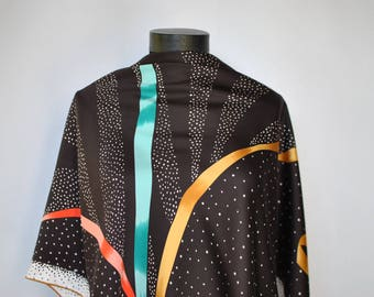 Vintage PRINTED SILK SCARF , hand rolled scarf...............(333)