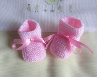 """Baby girl """"pink"""" in size newborn - hand made knit"""