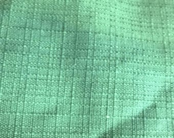 Bright green quilted cotton 125 x 85
