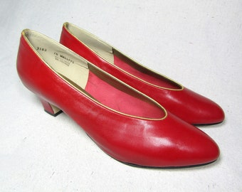 size 14 | California Magdesians red heels / vintage 80s red heels / red leather pumps / red leather shoes / low heel red shoes / red pumps