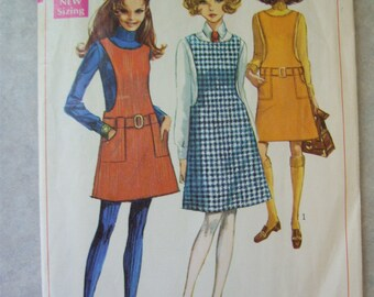 Vintage 1960s Dress Pattern - Simplicity 7820 - 32 Bust