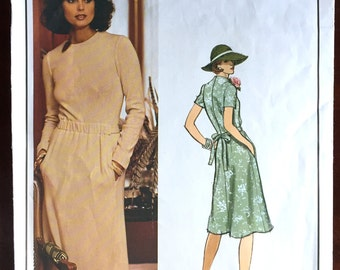"1970's Vogue Paris Original Christian Dior One-Piece Dress with Pockets - Bust 36"" - No. 1188"