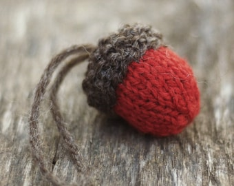 Knitting Pattern, Christmas Ornament, Christmas Knitting Pattern,  Knit Ornament, Acorn Ornament, Knitted Ornament, Christmas Decoration