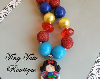 SNOW WHITE Chunky Necklace- Chunky bubblegum necklace, Girls chunky necklace, Gumball necklace, Chunky beaded necklace