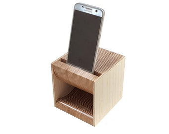 Risuona CUBO120. Simply said, Risuona is a piece of wood that amplifies.