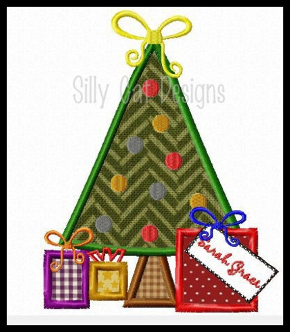 Christmas Tree and Presents Applique Design