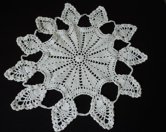 French vintage hand made white crochet doily   (06343)