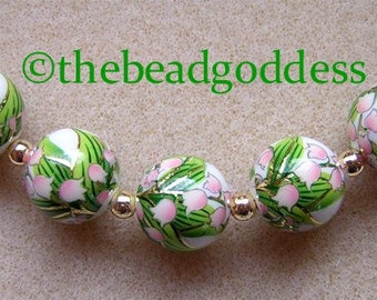 New Design 5 Japanese TENSHA Beads LILY of the VALLEY on White 12mm