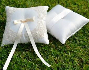Wedding pillow, ring pillow, ring bearer pillow, embroidery, silk